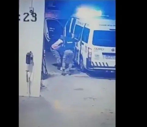 woman assaulted by metro cops