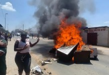 Protesters in Diepsloot