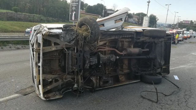 Two dead, multiple injured in M1 taxi rollover