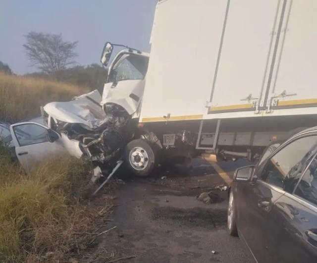 A head-on collision between a bakkie and truck on the N2 in northern KwaZulu-Natal has resulted in the death of one person