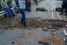 Photo of Protesters damage road in KZN over lack of water and electricity