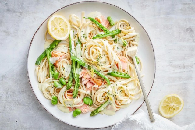 Salmon and broccoli pasta
