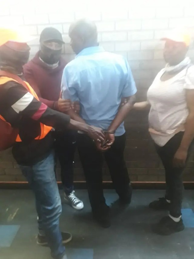 Man arrested in Joburg CBD for robbery and impersonating policeman