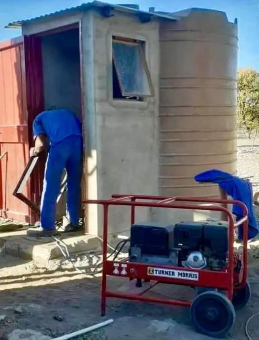 Talented SA man turns JoJo tank into a cute bathroom