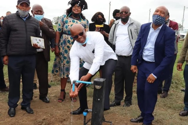 MEC for Cooperative Governance and Traditional Affairs, Xolile Nqatha, officially handed over 200 foot-operated taps and eight washing basins to the Amahlathi and Enoch Mgijima municipalities