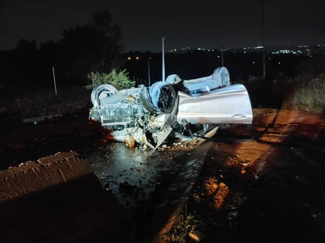 Driver slams into concrete barrier