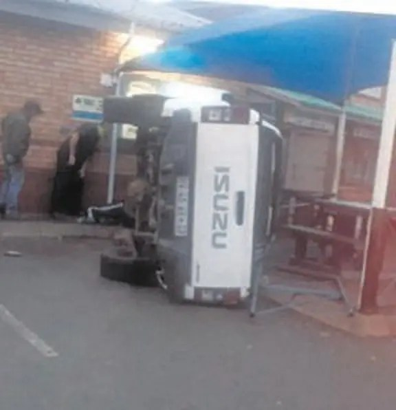 4X4 Isuzu bakkie Tony Phalatsi crashed into