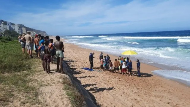 A father and son almost drowned at uMdloti beach in Durban north
