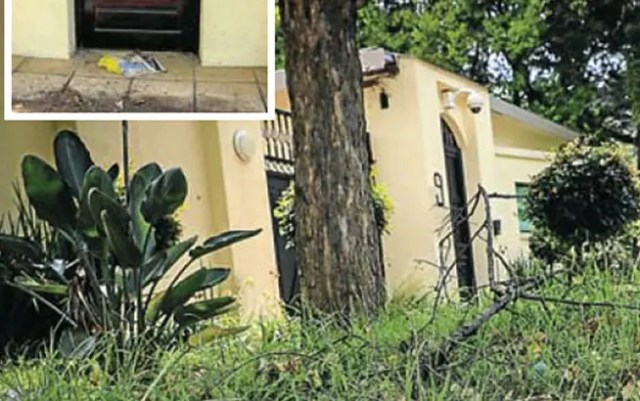 Nelson Mandela's house breaks down