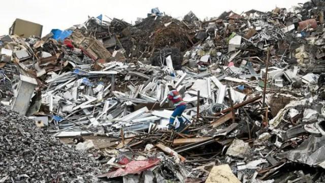 Chaos at graveyard as SA man caught stealing metal grave markings