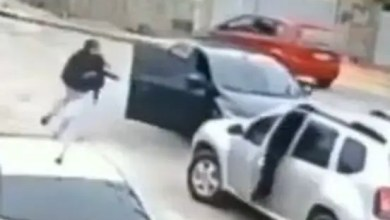 Drama as thief hijacks car but don't know how to drive