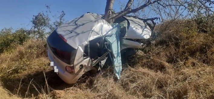 2 men die in horrific Polo crash