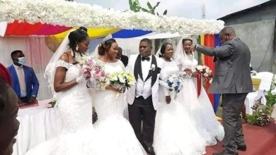 Man weds 4 woman Man weds 4 woman at the same timeat the same time