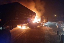 Protesters set trucks on fire in Ermelo