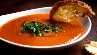 Sweet red pepper and tomato soup