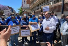 Democratic Alliance (DA) members protest