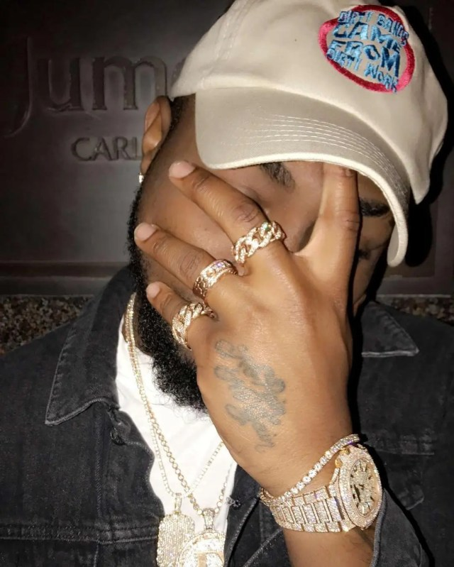 Davido Brags about spending over 1billion on jewelry daily