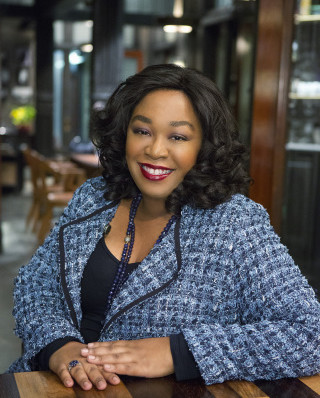 """SCANDAL - Shonda Rhimes (creator/executive producer of """"Grey's Anatomy,"""" """"Private Practice"""" and """"Scandal"""") on the set of ABC's """"Scandal."""" (ABC/DANNY FELD)"""