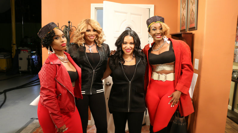 Actresses, Angell Conwell and Tanjareen Thomas on set with Salt-N-Pepa for the scene when they impersonate the hip-hop duo.