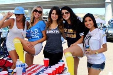 Ladies from the LPL Crew show off their pretty smiles. Photo by Dennis J. Freeman/News4usonline.com