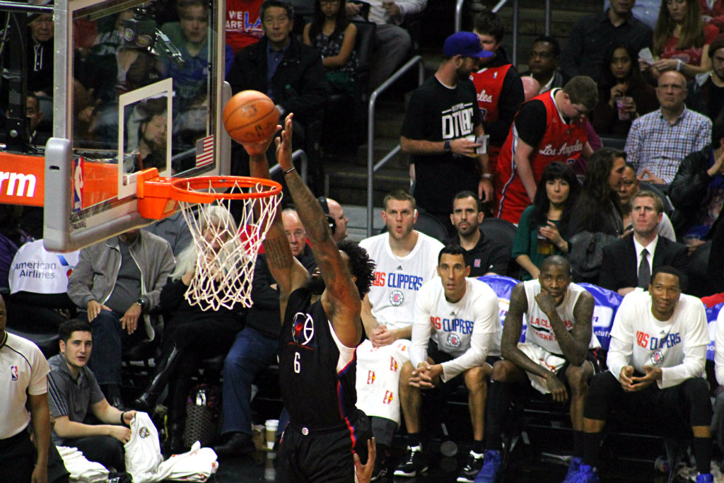 Clippers cruise to star-less Cavs win