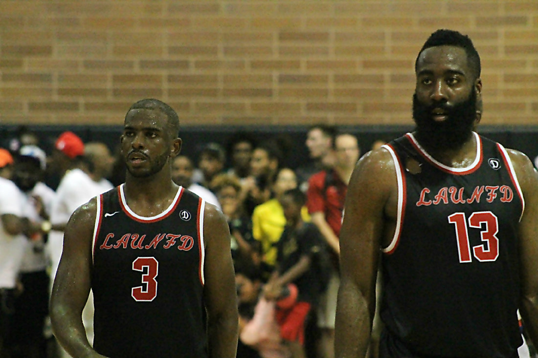 471fd5814e47 Chris Paul and James Harden helped give LAUNFD a 83-81 win against the Home  Town Favorites in the Drew League on Sunday