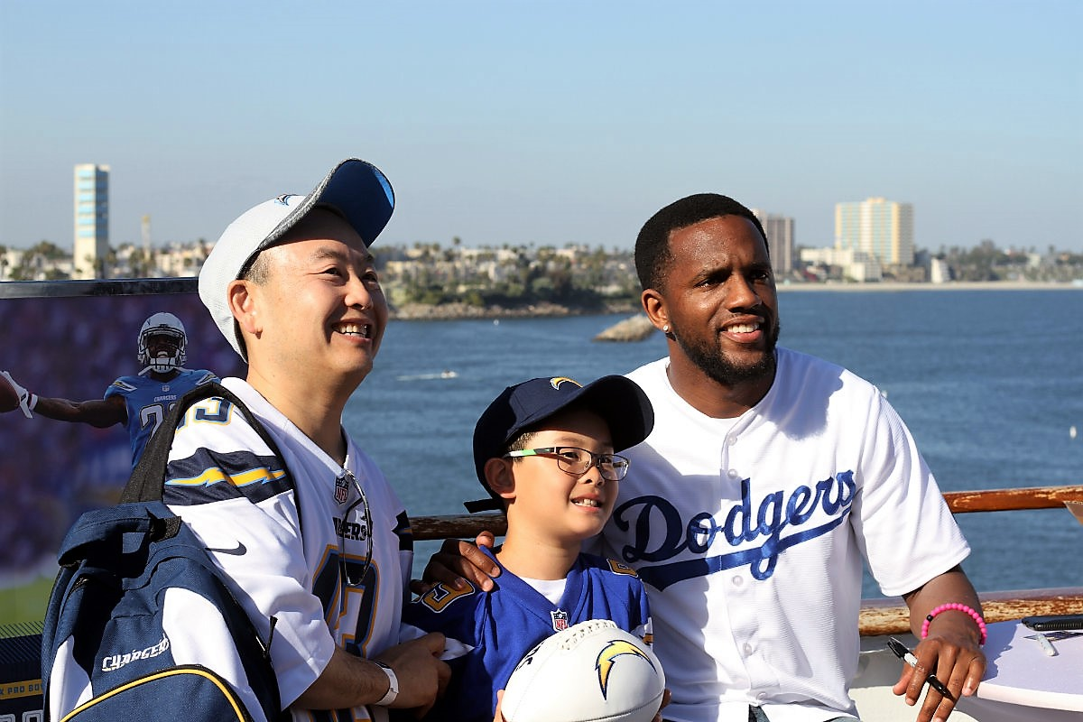 Chargers take their fans to the Queen (Mary) for NFL Draft