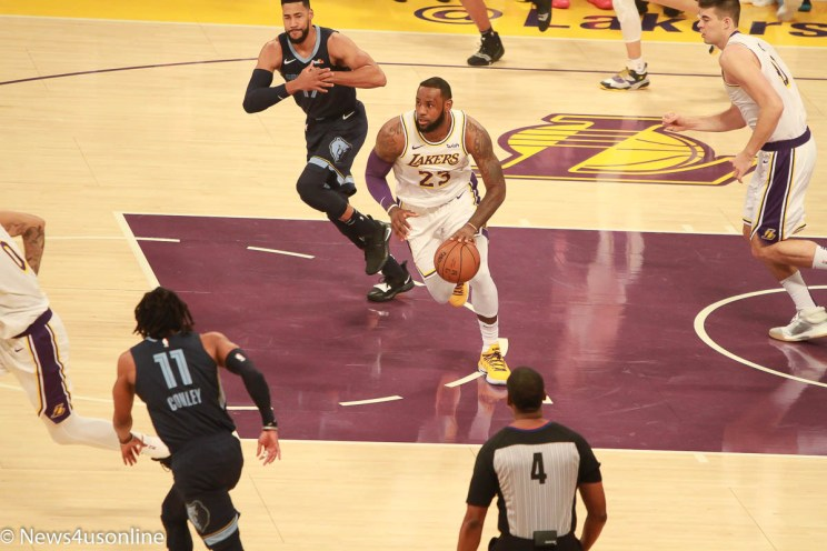 Lakers and Grizzlies play an NBA game at Staples Center.