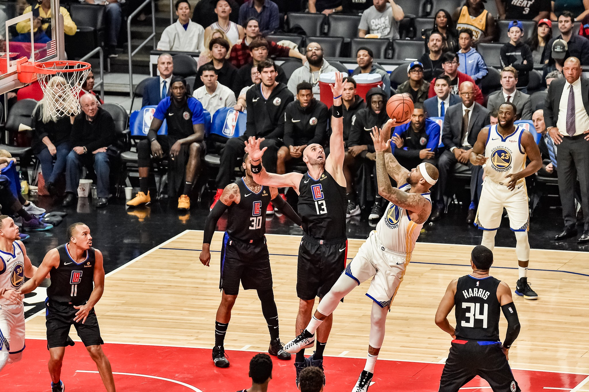 DeMArcus Cousins shooting a jumper against the Los Angeles Clippers