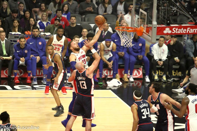 Blake Griffin going for a layup