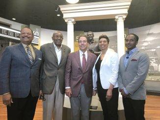 Nick Saban honors Eddie Robinson