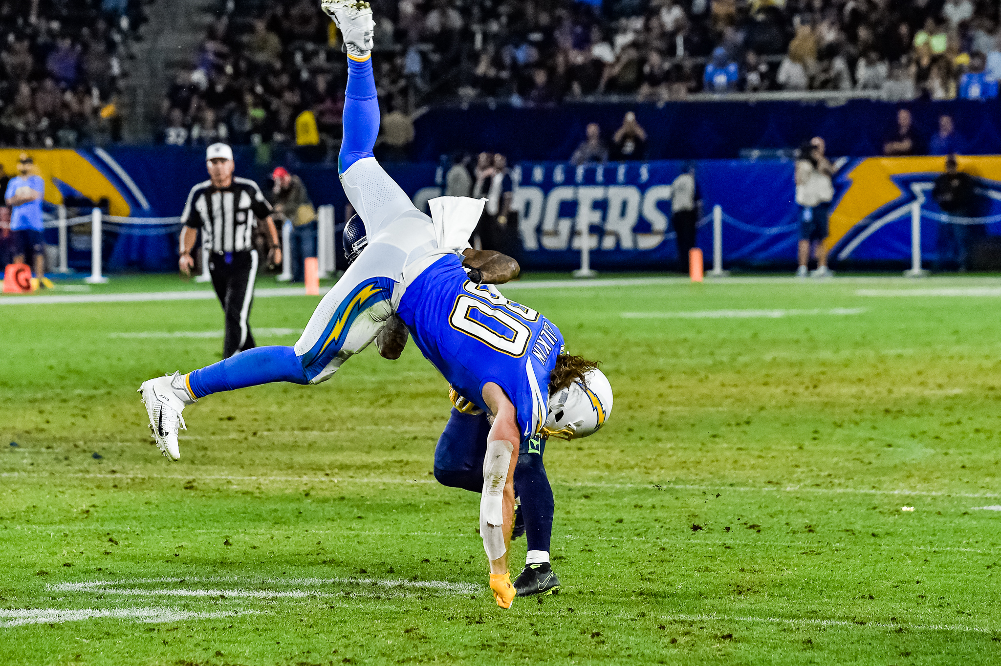 © Mark Hammond/News4usonline - Aug. 24, 2019 - Seahawks vs. Chargers - Chargers tight end Sean Culkin (80) make the spectacular catch.