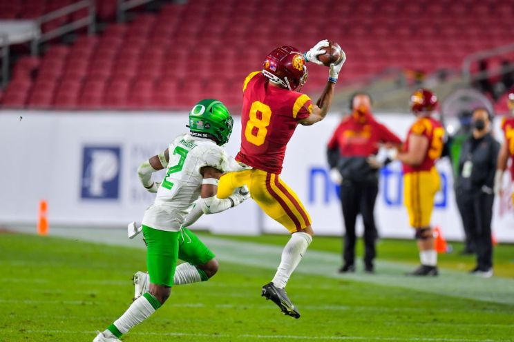 Oregon downs USC in the Pac-12 Championship