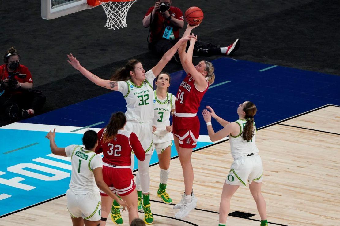 SAN ANTONIO, TX - MARCH 22: OREGON VS SOUTH DAKOTA during the Division I Women's Basketball Tournament held at Alamodome on March 22, 2021 in San Antonio, TX. (Photo by Scott Wachter/NCAA Photos)