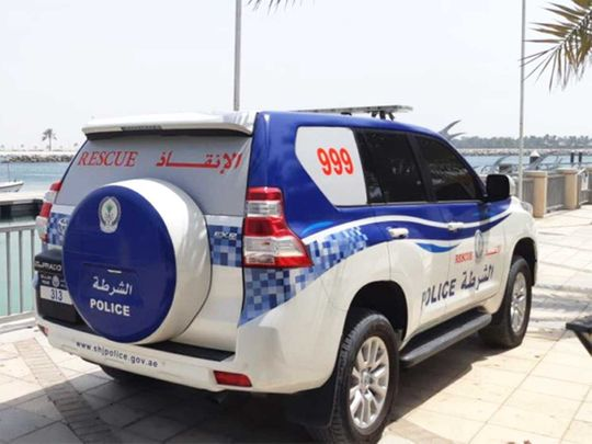 Sharjah Police alert people of tricks used by pickpockets and thefts from cars