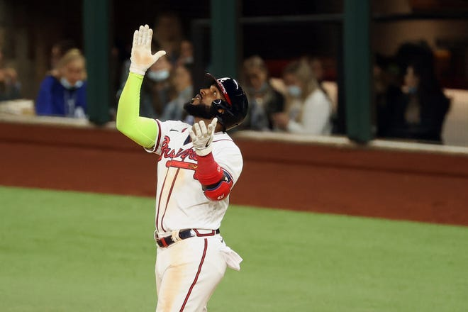 Braves break it open with 6-run inning, knock out Clayton Kershaw, Dodgers to move one win from World Series