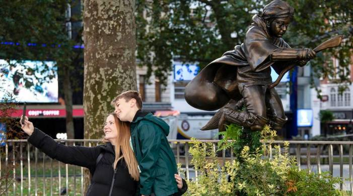 Harry Potter plays Quidditch in London's Leicester Square; take a look