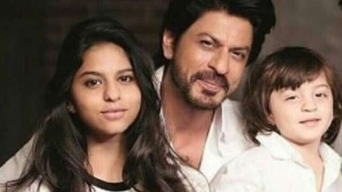 Shah Rukh Khan sees Suhana, AbRam follow 'ideals' preached by Bapu