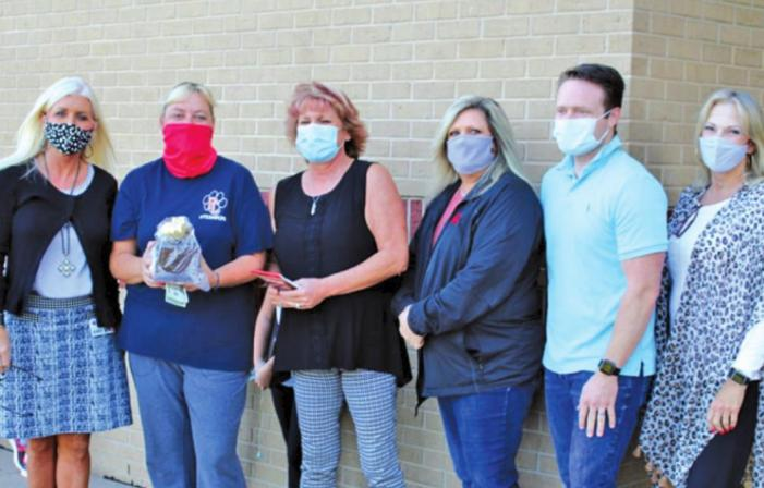 Union Elementary teacher Melisa Smith selected for September Golden Apple Award