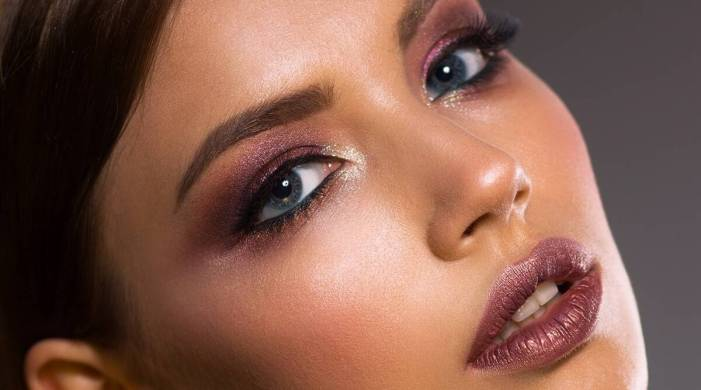Happy Diwali 2020: Use these five products to get festive makeup look in five minutes