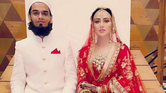 Sana Khan changes her name after getting married to Mufti Anas, more wedding pics out