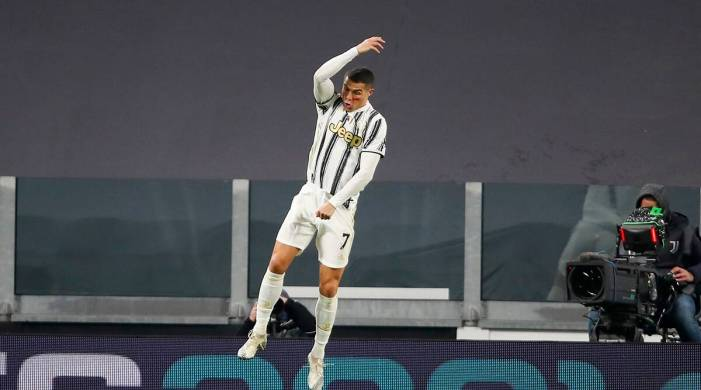 Watch: Cristiano Ronaldo scores twice as Juventus beat Cagliari