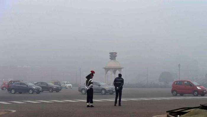 Cold wave to continue in Delhi for next two days, foggy weekend ahead