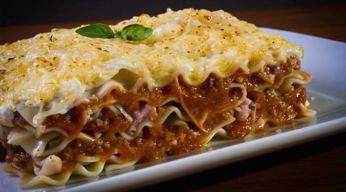 Enjoy a hearty meal with this easy vegetable lasagna recipe