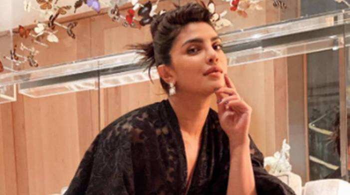 We can't get enough of Priyanka Chopra's latest hairdo; check pics