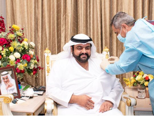 Fujairah Crown Prince receives first jab of COVID-19 vaccine