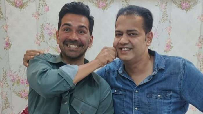 Abhinav Shukla and Rahul Mahajan pose for a 'cheeky' photo after eviction