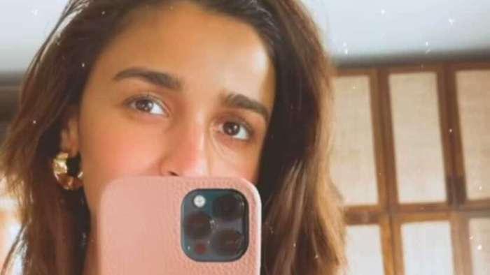 Alia Bhatt flaunts emblazoned ring as subtle nod to beau Ranbir Kapoor in Valentine's Day post