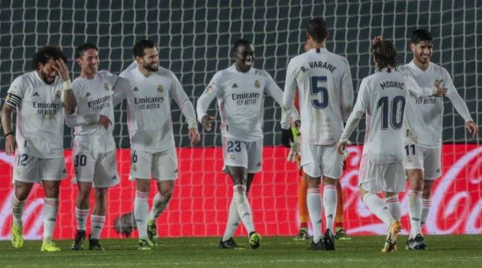 Depleted Real Madrid wins postponed game, gets closer to Atletico