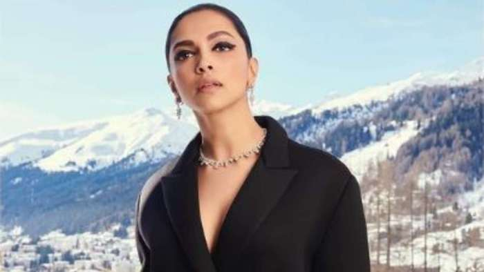 Deepika Padukone is in a fix as she plays 'This or That' segment